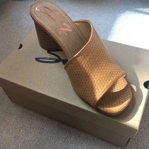 Seven7-NWT camel slide sandals sz 8